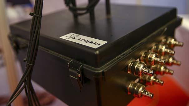 HAVELSAN, kritik tesislerin keskin nişancı tehdidine karşı korunması amacıyla Akustik Tabanlı Uzaktan Silahlı Ateş Algılama Sistemleri (ATEŞKES) adı verilen tespit sistemi geliştirdi. ( Emrah Yorulmaz - Anadolu Ajansı )